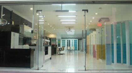 frameless glass shopfront